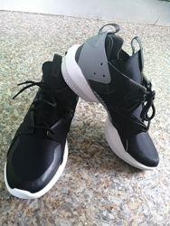 Кроссовки от бренда Reebok originally