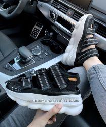 Женские босоножки Versace Chain React Sandal Black