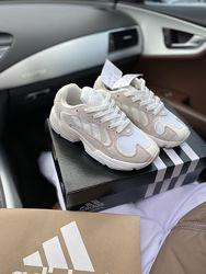 Кроссовки женские Adidas yung 1