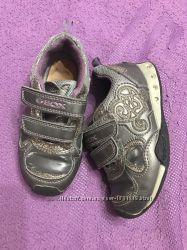 Спортивная обувка