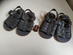 Новые кожаные босоножки 19/20 размера Andre