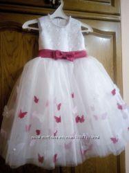 Пышное выпускное нарядное детское платье с бабочками