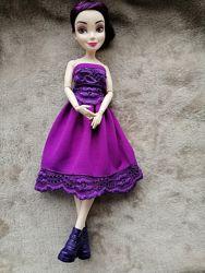 Шарнирная кукла формата Барби Наследники Дисней Хасбро