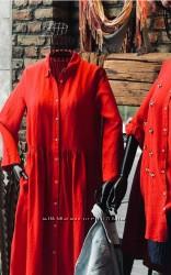 Красно-ягодное платье на пуговицах размер М