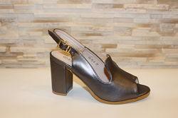 Босоножки женские серые на каблуке Б1042