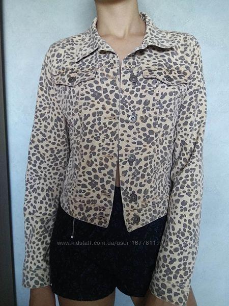 Укороченная коттоновая куртка divided by h&m/анималистический принт