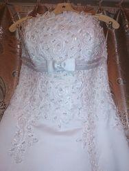 Красивое свадебное платье. Белоснежное