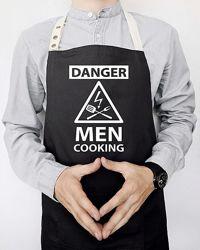 Мужской фартук Danger men cooking черный
