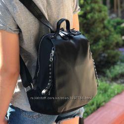 Женский стильный кожаный рюкзак черный жіночий шкіряний ранець чорний