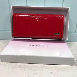 Женский лаковый кожаный кошелёк портмоне на кнопке красный Mario Veronni