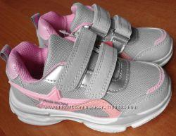 Кроссовки для девочки Tom. M  29 р
